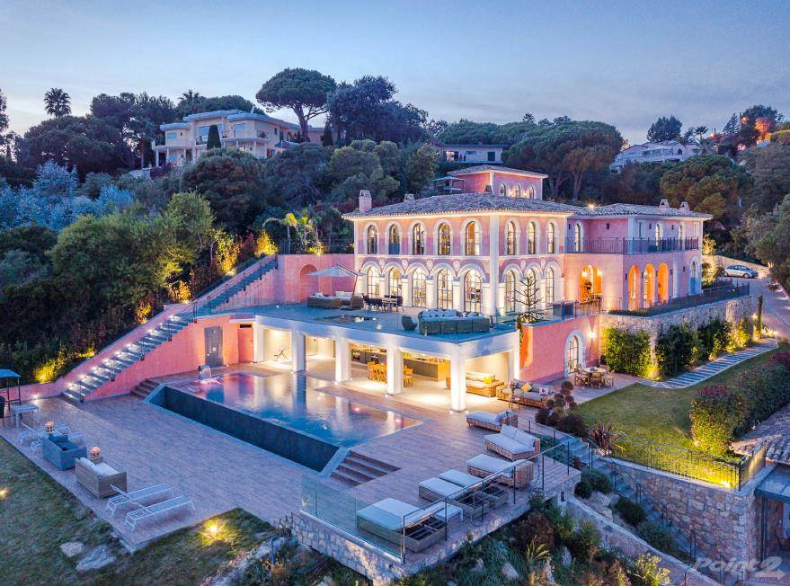 Résidentiel à vendre en MEGA MAJESTIC MANSION CANNES FRANCE, Cannes, Provence-Alpes-Cote d'Azur ,06029  , France