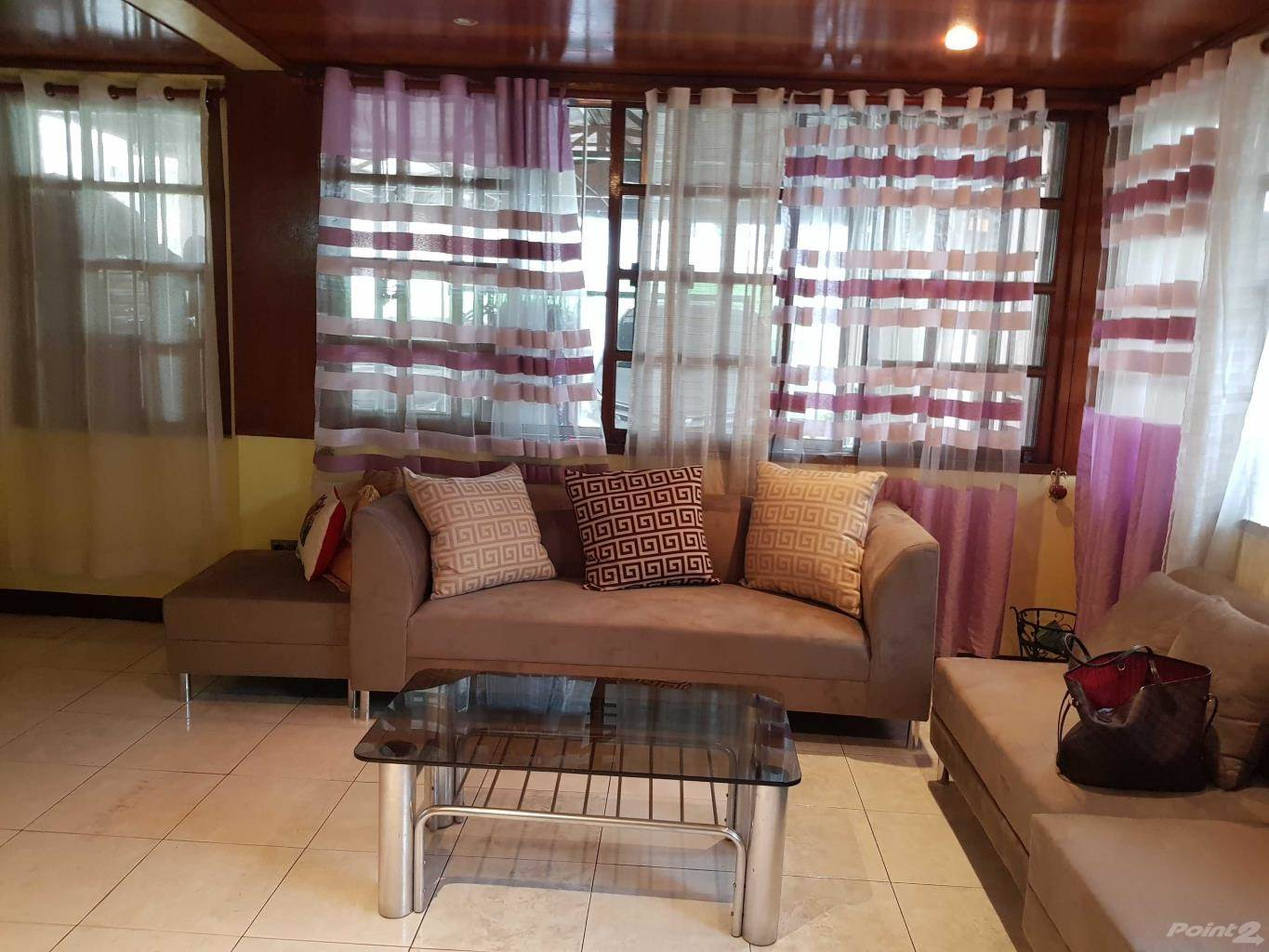 Maison à vendre Las Pinas, Philippines Fully Furnished 2sy 6br in Pilar Village Las Pinas