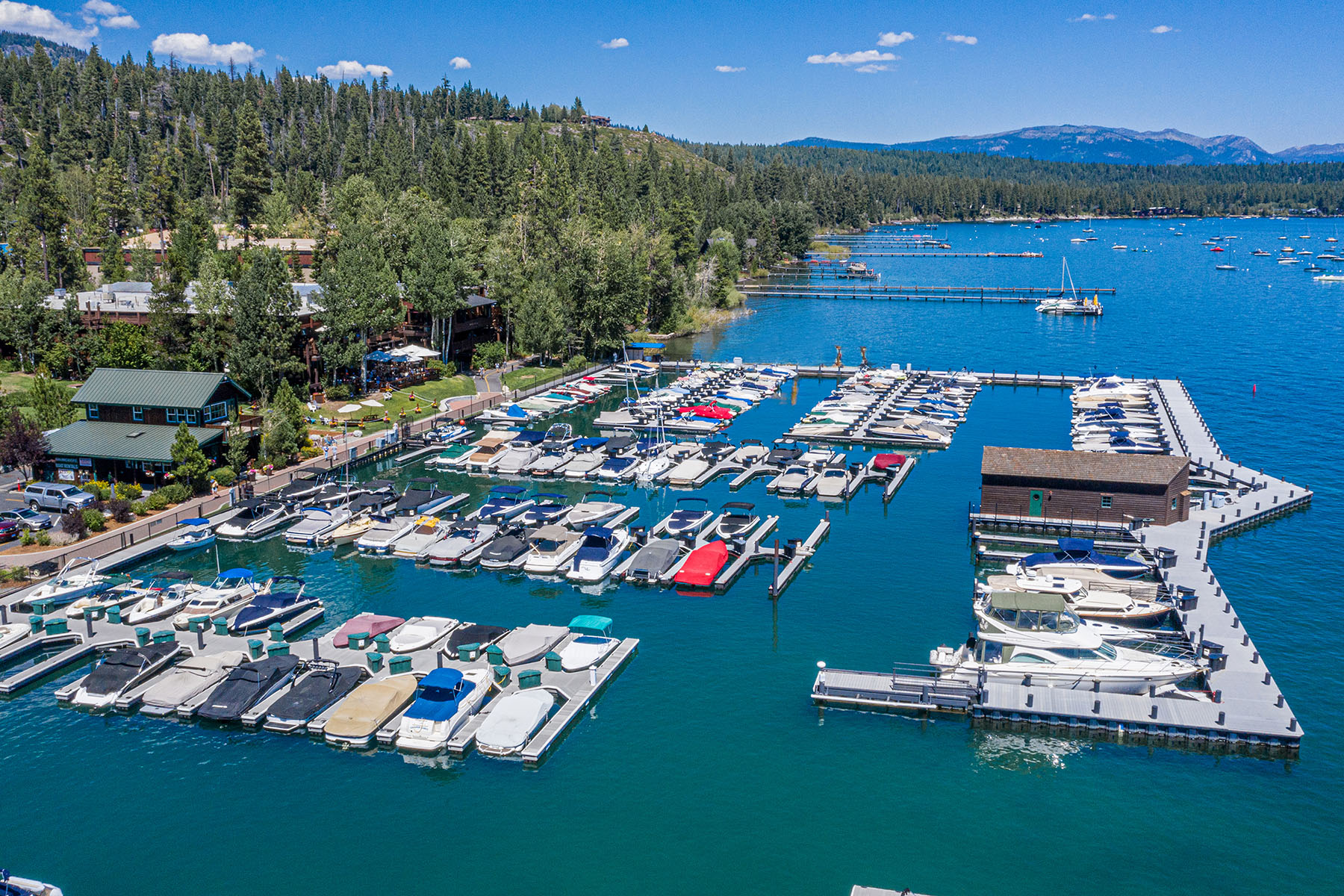 en 700 N Lake Blvd #E-16, Tahoe City, Californie ,96145  , États-Unis